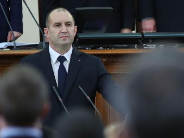 (ВИДЕО) Румен Радев положи клетва като президент